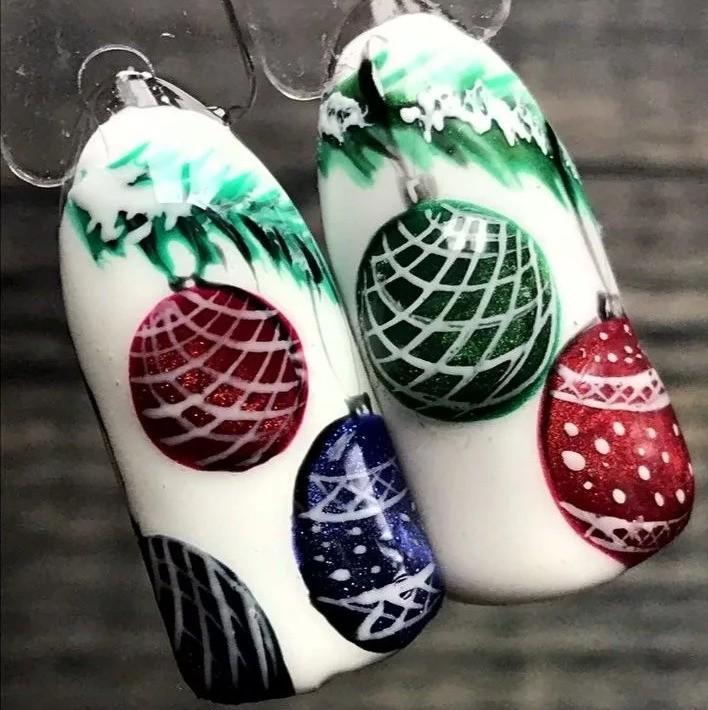 Дизайн с новогодними шариками