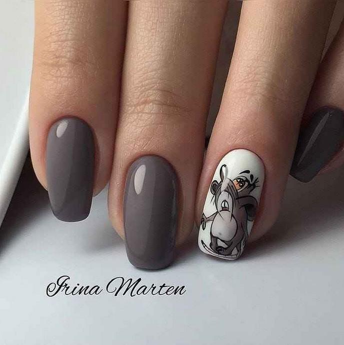 Дизайн ногтей с мышью